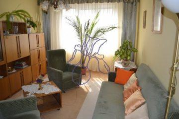 Debrecen, Sinai Miklós utca - Two bedrooms+living room flat close to tram and Economics Faculty