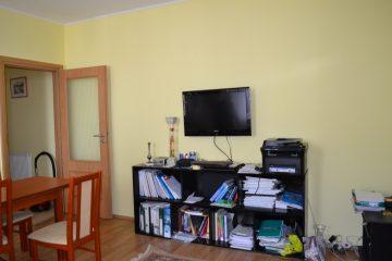 Debrecen, Piac utca - Otthonos lakás a villamosvonal mellett kiadó