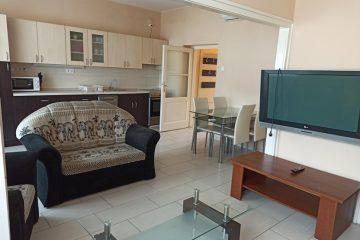 Debrecen, Piac utca - Renewed flat for 3 on main street